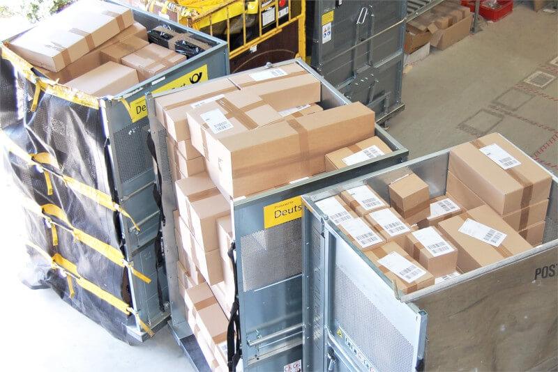 Logistikzentrum versandbreite Pakete MKS Autoteile