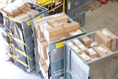 Logistikzentrum Pakete MKS Autoteile